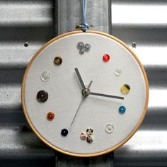 Tuesday Tute ~ My Button Clock!