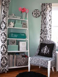 love this scrapbook room