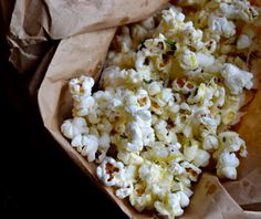 Rosemary Parmesan Popcorn ~ You'll never go back to pre-packaged microwave popcorn again!  This is so easy, healthy and flavorful!