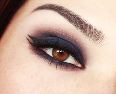 deep purple smoky eye with double winged liner