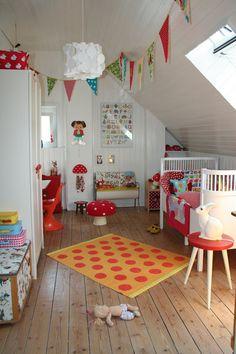 such a cheerful child's room.  #kids #decor #estella