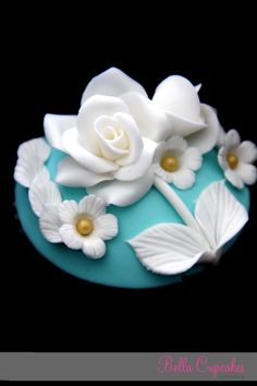 Vintage Cupcake vintageshabbi chic, cupcak topper, cupcakes, bella cupcak, vintag cupcak, chic cupcak, cupcak anyon, rose cupcak, cupcak design