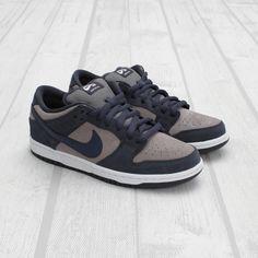 Nike SB Dunk Low - Thunder Blue / Cool Grey.