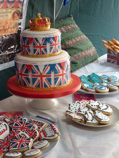 union jack 2 tiered cake
