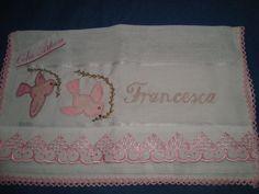 toalhas de boca/tecido fralda com pinturas e bordados a mao..