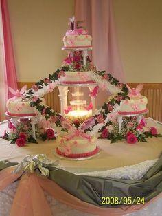 quinceanera cakes with cupcakes quinceanera more lavend   Quinceanera Cakes With Cupcakes