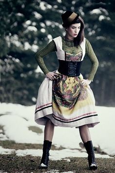 Dirndl by Jaylicious munich. I like the long sleeve shirt going on here.  Nice.
