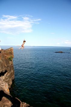 In Marquette, is Black Rocks a cliff you can jump off and into Lk. Superior