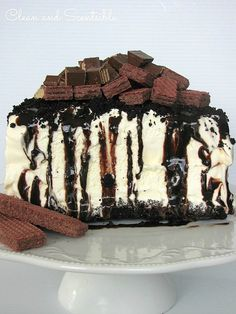 The Easiest Ice Cream Cake Ever