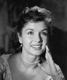 Debbie Reynolds face, peopl, movi star, debbie reynolds, beauti, photo galleries, actress, classic, debbi reynold