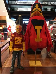 Look at this young fan hanging out with a past iteration of Cy! #LoyalForeverTrue