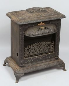 old gas stoves | 3078: Antique Cast Iron Gas Heater