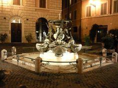 Roma, Piazza Mattei. Fontana delle Tartarughe   foto di Nicola Cangioli
