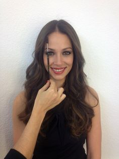 "Eva González - Blog 'Las Tentaciones de Eva' 2012/2013 ""Cejas-cejitas"" http://las-tentaciones-de-eva.blogs.elle.es/2013/03/22/cejas-cejitas/"