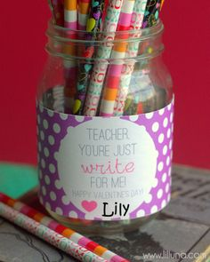 CUTE Valentine's Teacher Gift with Free Print { lilluna.com }
