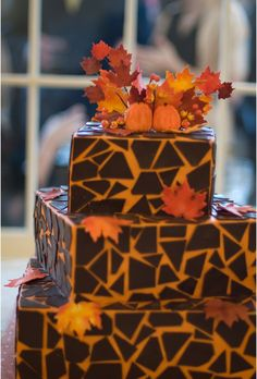 Love the leaves topping this cake!