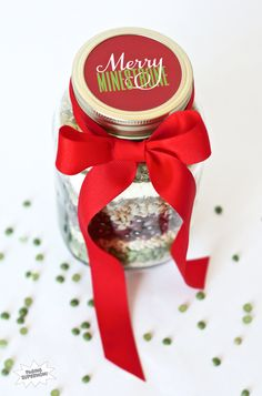 DIY Merry Minestrone Christmas Soup in a Jar Homemade Gift Idea