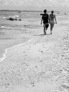 Footprints in the sand -- Tunnels Beach.