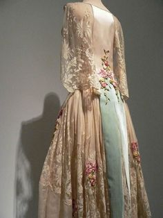 ~Blush silk satin and ivory silk chiffon evening dress French 1922~