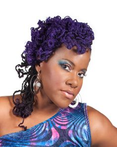 The beautiful songstress Etana.. rocking her purple sisterlocks <3