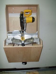 """The """"not so big miter saw workstation?"""""""