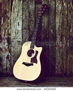 Old guitar/old bark