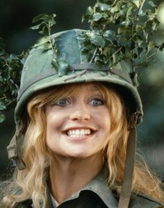 Goldie Hawn Photo at AllPosters.com