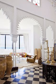 Elephant Blanc in Tangiers