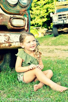 Fun little girl photo Idea for summer time. Courtesy of Bonfires and Wine. #girl #photo #togally