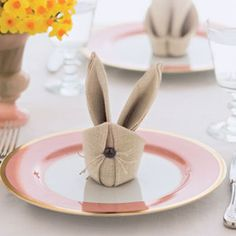 Cute as a button bunny napkins tutorial for your Easter brunch or dinner!
