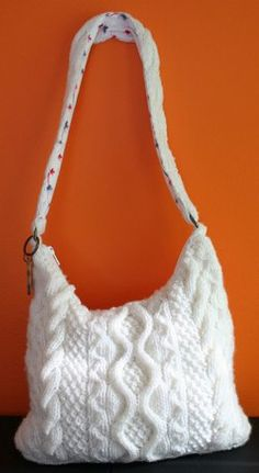 Fallen Snow Cable Bag - very pretty. #knitting #freepattern