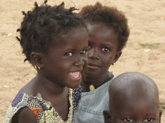 Africa |  Senegalese children photographed by Christina from CZ's report blog, during a UNICEF field trip