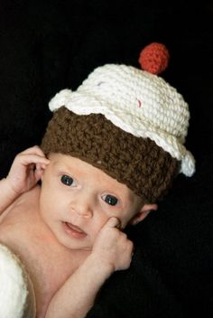 Does this come in adult sizes?  Cupcake Hat