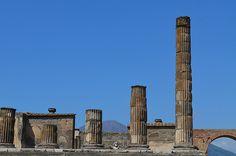 Clear signal in Pompei  Pompei, Italia     www.sunshineinhand.blogspot.com