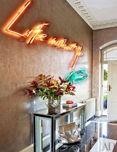 Trend: neon signs
