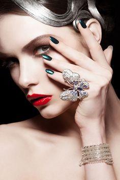 <3 fashion, nail polish, butterflies, kasia baczuli, metal, makeup, beauti, green nails, alexandra martynova
