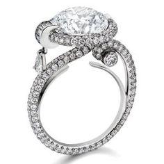 Anna Hu diamond ring