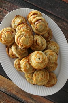 Pizza Muffins… how great and easy are these?!  #15MinuteSuppers