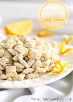 Orange Creamsicle Muddy Buddies - only four ingredients. {The Girl Who Ate Everything} #food #yummy #delicious