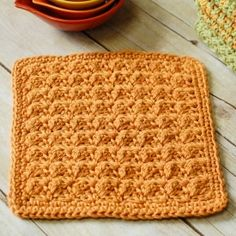 It's amazing what a rich and complex design can be achieve with only two basic crochet stitches. A perfect pattern for beginners!