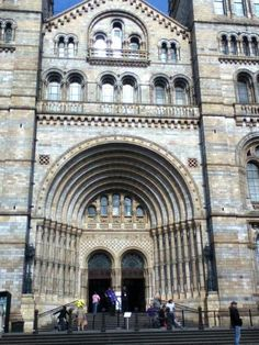 Went to Natural History Museum yesterday. I love that this building is in my city. pic.twitter.com/lMToCU7y