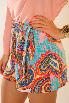 spring shorts, bold prints, summer outfits, paisley outfit, winter outfits, summer clothes, summer shorts, outfits with shorts for school, short dresses