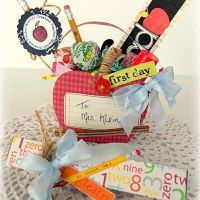 First day of school teacher gift idea! SO cute! Could be great for teacher appreciation, too!