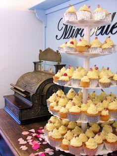 mirabell cupcakeri, 1950s short