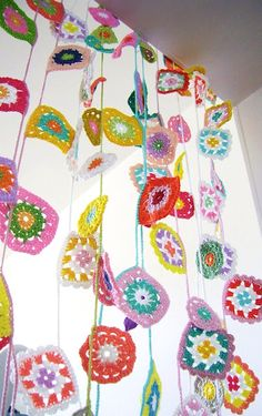 crochet curtains, crochet granny squares, crochet garland, old suitcases, mobil, crochet squares, kitchen windows, garlands, blog