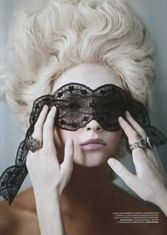 lace mask-  i would love to have a masquerade marie antoinette party