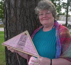 Triangle Loom Weaver