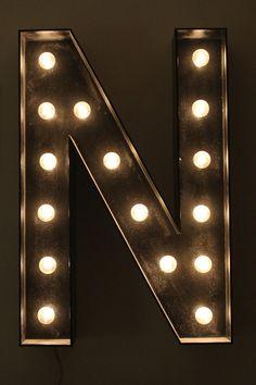 marque light, letter