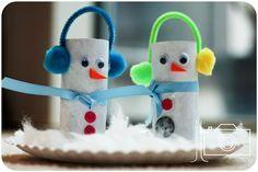 Soy Preescolar: #Ideas para #Reuso de Materiales  #Manualidades para un #Mundo #Sostenible: El reuso de rollos de cartón tiene posibilidades casi infinitas. Hoy encontramos esta idea para hombres de nieve que no tiene falla. Trata de que la mayor parte de los materiales sean de reuso, y tendrás unos lindos hombres de nieve. ツ  #Preescolar la #Escuela en #Otoño