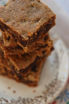chocolate chip peanut butter quinoa bars ~ gluten free